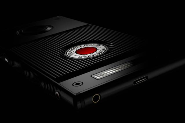 RED ha annunciato Hydrogen, il primo smartphone con schermo olografico