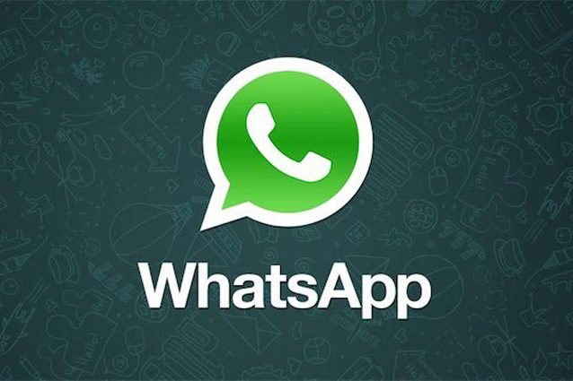 WhatsApp, da oggi è più facile scattare foto notturne: come funziona la Night Mode