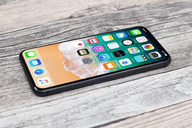Apple, l'iPhone 8 consentirà di silenziare le notifiche con lo sguardo