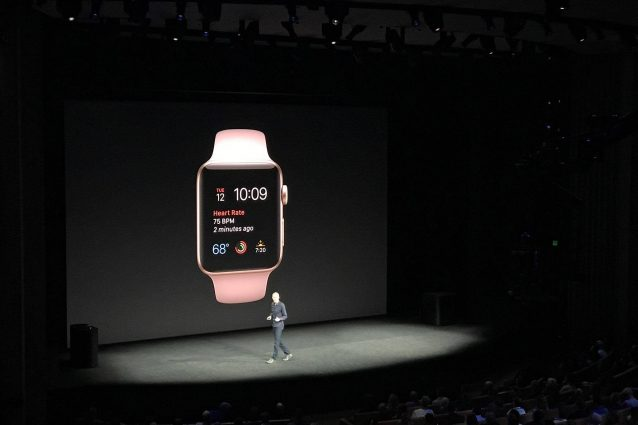 Con Watch OS 4 l'Apple Watch potrà prevenire gli infarti