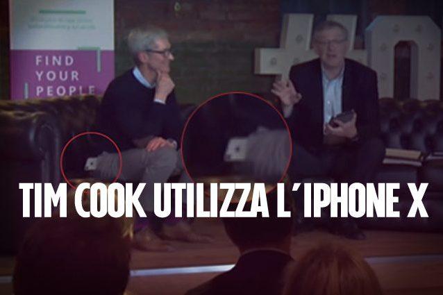 L'iPhone X di Tim Cook continua a scivolargli dalla tasca: l'ironia della rete