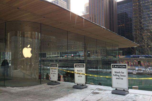 L'Apple Store di Chicago (dove nevica ogni anno) non è stato progettato per gestire la neve