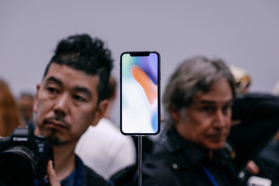 """Apple non rallenterà iPhone 8 e iPhone X: """"Non è necessario"""""""