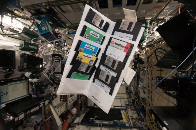 Floppy disk degli anni 90... a gravità zero