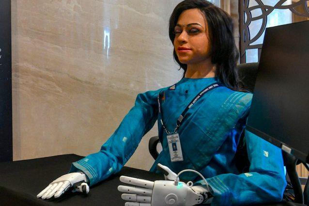 Ecco la prima donna robot che andrà nello spazio: cosa farà