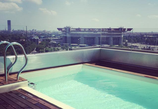 Mauro icardi regala a wanda un attico con piscina e vista - Villa con piscina milano ...