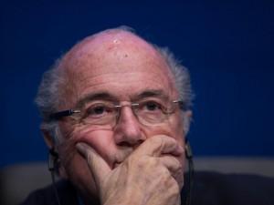 Stipendi Fifa, Blatter nell'anno dello scandalo ha incassato 3,3 milioni