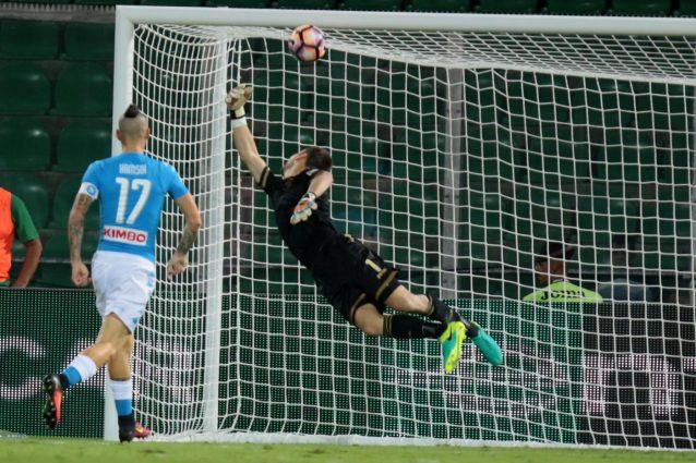 Hamsik fa 82 in Serie A e supera Maradona
