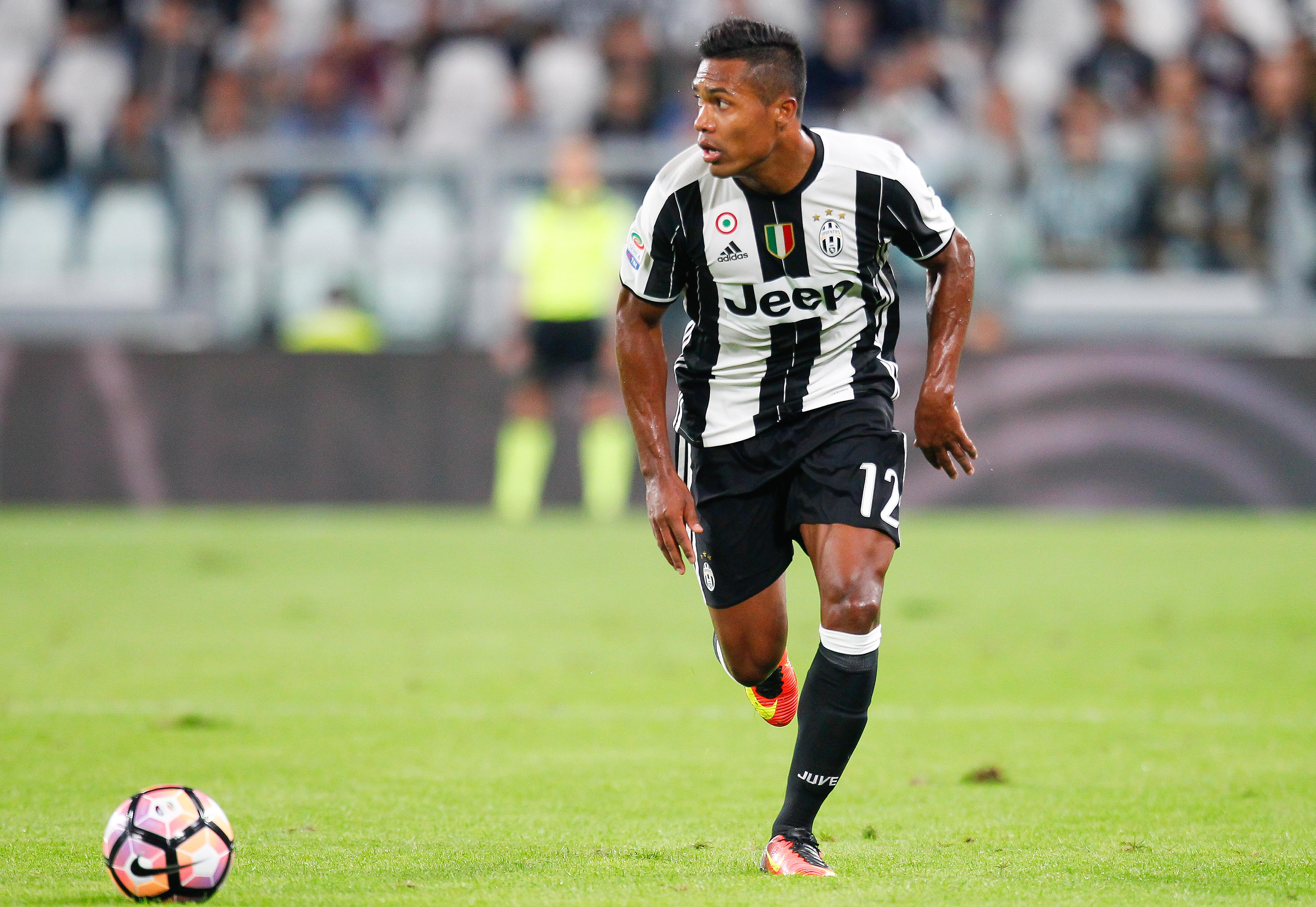 Juventus alex sandro l 39 insostituibile di allegri 7 for Esterno sinistro juve