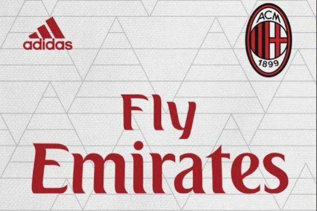 I dettagli della seconda maglia del Milan 2017–2018 (foto: footyheadlines.com)