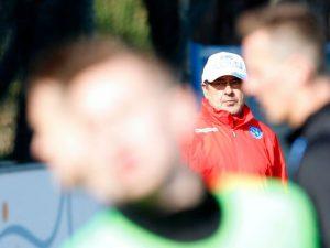 Napoli, squadra e tifosi dalla parte di Sarri. Il club impone silenzio stampa