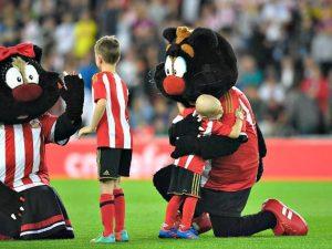 Il piccolo Bradley Lowery mascotte dell'Inghilterra a Wembley