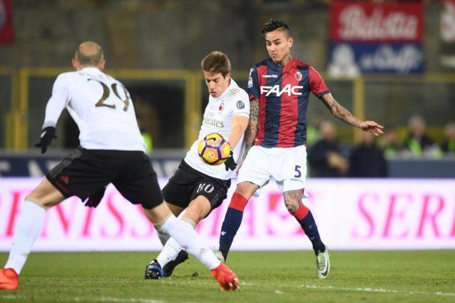 Il Milan, in 9, vince 1-0 a Bologna