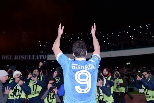 Napoli-Juventus, Ferrara avverte Higuain:
