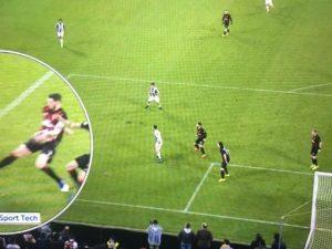 Juve-Milan al veleno: Massa pessimo, non dà un rigore su Dybala, si inventa quello al 97′