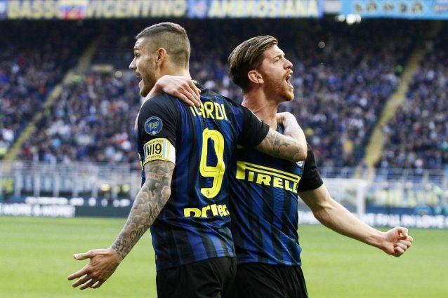 Show dell'Inter, Atalanta battuta 7-1. Il Napoli passeggia col Crotone