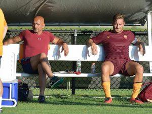 Roma: Spalletti chiede a Totti di entrare, ma il capitano si rifiuta per il mal di schiena