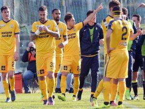Serie B, il Verona espugna Brescia e raggiunge in vetta Spal e Frosinone