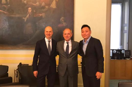Marco Fassone, David Han e Danilo Pellegrino, ad di Fininvest. Nella foto di Auro Palomba.