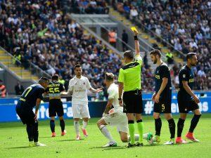 """Inter-Milan, scintille Orsato-Icardi: """"Vada via, conto fino a cinque"""""""