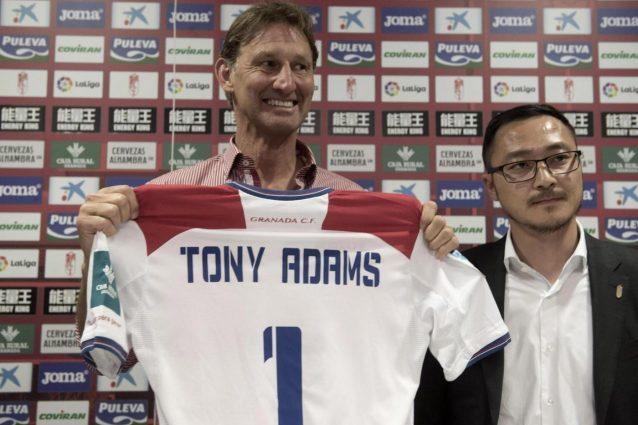 Granada, ecco Tony Adams.