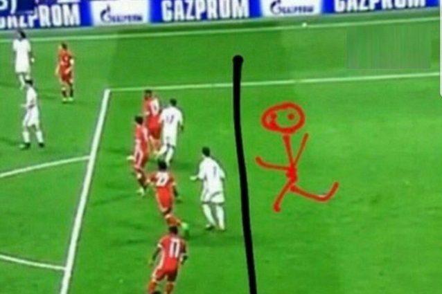 """Bravo arbitro, bravo"": Ribery e Vidal attaccano Kassai sui social"