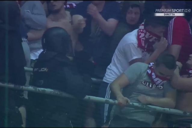 Incidenti a Madrid, tensione tra tifosi Bayern e polizia