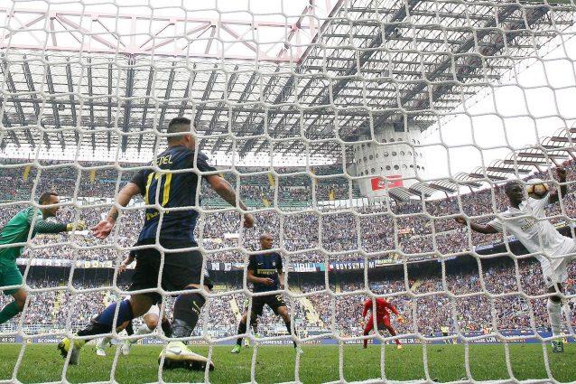 """Il Milan pareggia al 97', Balotelli: """"Non parla più nessuno adesso?"""""""