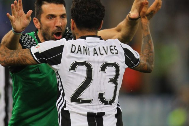 dani alves buffon