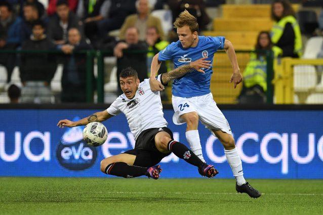 In foto: Lorenzo Dickmann difensore del Novara