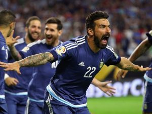 Il Paperon de' Paeroni del calcio mondiale è Ezequiel Lavezzi