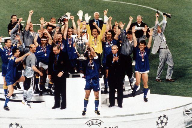 La Uefa ha deciso: chi vincerà la Coppa verrà premiato in campo