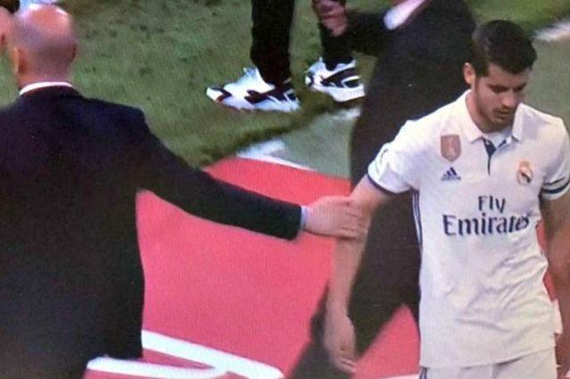 Real, Morata è rottura con Zidane: esce e non gli dà la mano