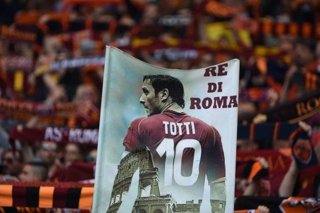 Totti, caso senza fine Roma ancora nella bufera