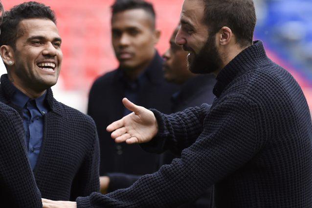 Juventus, Higuain saluta Dani Alves? Il video misterioso del Pipita