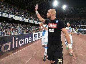 Calciomercato Napoli, entro il 3 lugliosi risolverà il caso Reina