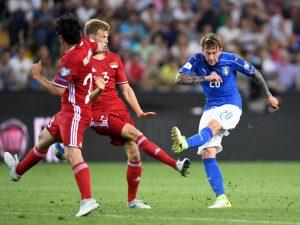 Bernardeschi, Mourinho sfida Inter e Juventus per l'attaccante viola