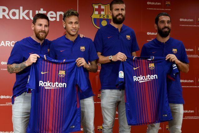 """Barcellona, Messi presenta la divisa 2017/2018: """"Non vedo l'ora"""""""