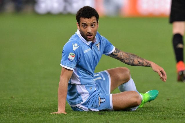 Lazio, lite Felipe Anderson-Hoedt in allenamento dopo un contrasto