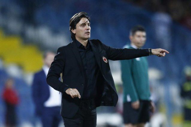 Milan, luci a San Siro: in 65mila contro il Craiova