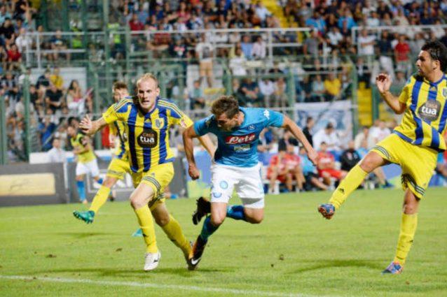 Napoli-Trento 7-0, doppietta di Milik, gol di Ounas e perla di Chiriches