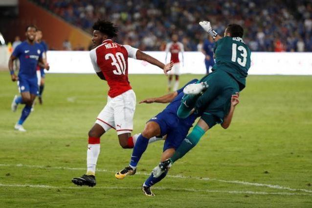 Il Chelsea batte l'Arsenal 3-0 a Pechino, Pedro ko dopo un terribile scontro con Ospina