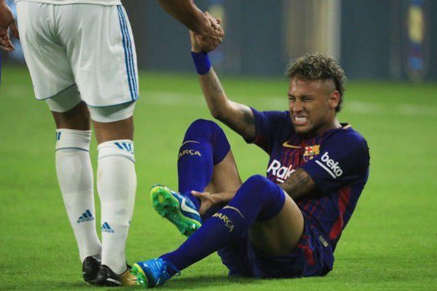 """Sergio Ramos, scambio di maglia con Neymar: """"Spero sia l'ultima che abbia indossato al Barça"""""""