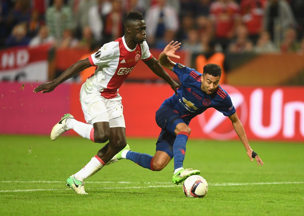 Davinson Sanchez centrale passato dall'Ajax al Tottenham