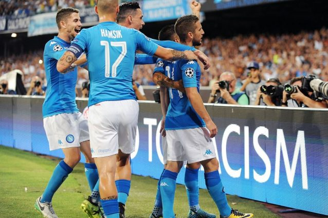 Il Napoli non sbaglia: attacco straripante, Verona sconfitto