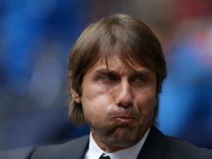 Antonio Conte, tecnico del Chelsea, rischia il licenziamento