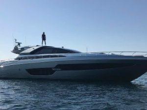 Ibrahimovic e il suo yacht: in attesa del Milan, lo svedese si concede una vacanza