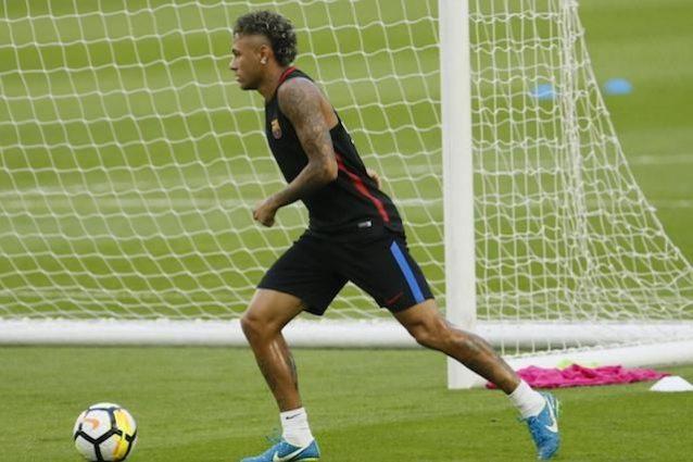 "L'Uefa: ""Neymar al Psg? Indagheremo per il Fair play finanziario"""