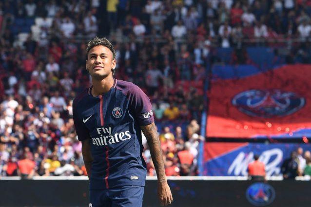 """Ligue1, il Psg debutta e vince ma la festa è tutta per Neymar: """"Parigi è Magica"""""""