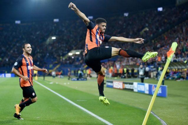 Champions, il Napoli stecca la prima: Reina e Hamsik flop. Mertens, peccato tenerlo fuori